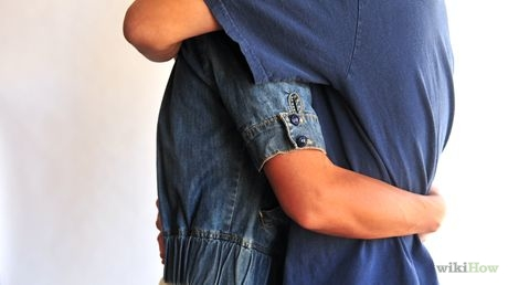 460px-Hug-a-Girl-Who-Is-Shorter-Than-You-Step-4